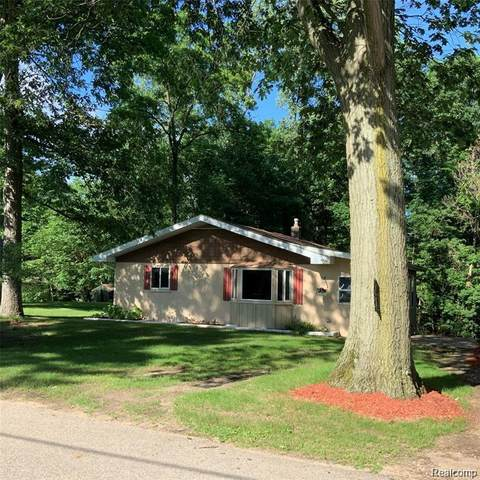 2094 Miles Road, Oregon Twp, MI 48446 (#2200012475) :: The Buckley Jolley Real Estate Team