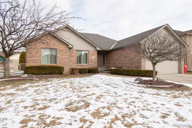 19291 Willoway Drive, Macomb Twp, MI 48044 (#2200012538) :: The Buckley Jolley Real Estate Team