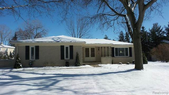 4256 Cherrywood Drive, Troy, MI 48098 (#2200012761) :: The Mulvihill Group