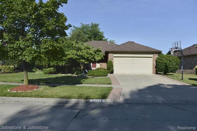 44350 Ausable Drive, Clinton Twp, MI 48038 (#2200012871) :: BestMichiganHouses.com
