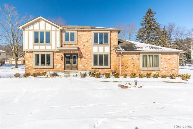 440 Abbey Wood Court, Oakland Twp, MI 48306 (#2200012889) :: The Buckley Jolley Real Estate Team