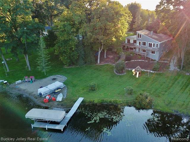 3981 Southwoods Drive, Marion Twp, MI 48843 (#2200013150) :: The Buckley Jolley Real Estate Team