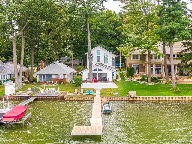 13298 Enid Boulevard, Fenton Twp, MI 48430 (MLS #2200013170) :: The John Wentworth Group