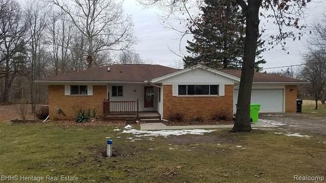 8960 Peer Road, Green Oak Twp, MI 48178 (#2200013188) :: The Buckley Jolley Real Estate Team
