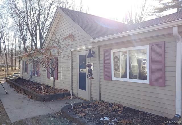 33635 Hiveley Street, Westland, MI 48186 (#2200013205) :: Springview Realty