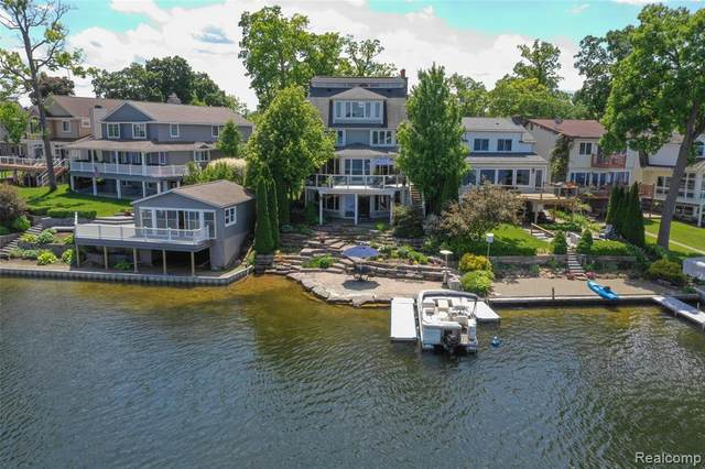 3840 Island Park Drive, Waterford Twp, MI 48329 (#2200013331) :: The Mulvihill Group