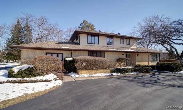 9297 Robinwood Drive, Grand Blanc Twp, MI 48439 (#2200013509) :: The Buckley Jolley Real Estate Team
