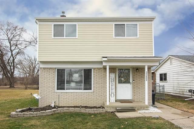 32400 Robeson Street, Saint Clair Shores, MI 48082 (#2200013813) :: The Buckley Jolley Real Estate Team