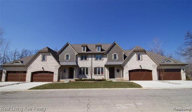 4213 Oak Arbor Ct # 14, Oakland Twp, MI 48306 (#2200013841) :: The Mulvihill Group