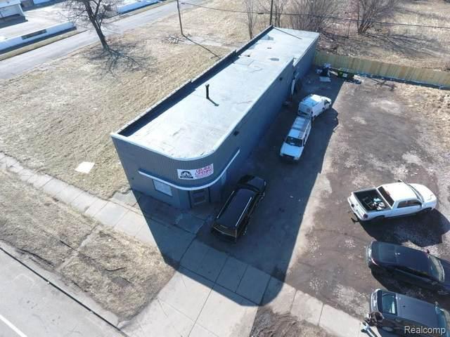 9521 Dexter Avenue, Detroit, MI 48206 (#2200014014) :: The Buckley Jolley Real Estate Team