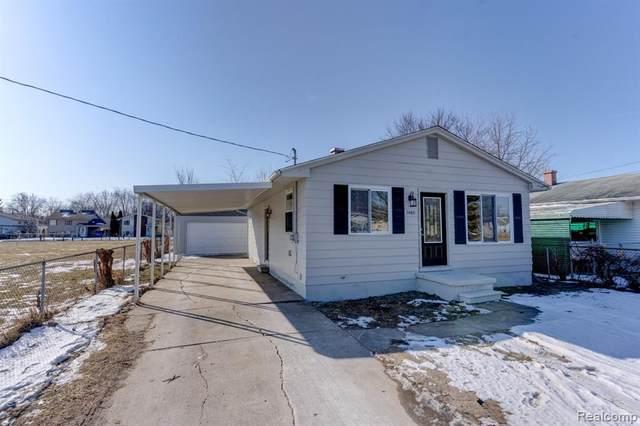 1460 E Judd Road, Burton, MI 48529 (#2200014122) :: Duneske Real Estate Advisors
