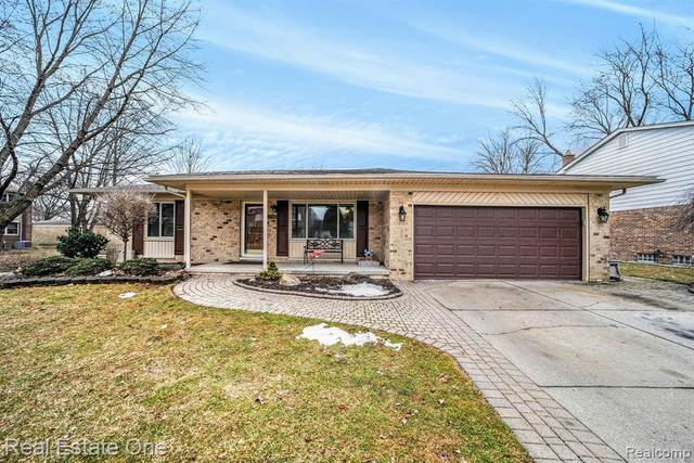 2854 Shirley Drive, Troy, MI 48085 (#2200014159) :: The Mulvihill Group