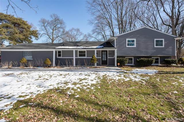 6406 Houghten Drive, Troy, MI 48098 (#2200014339) :: The Mulvihill Group