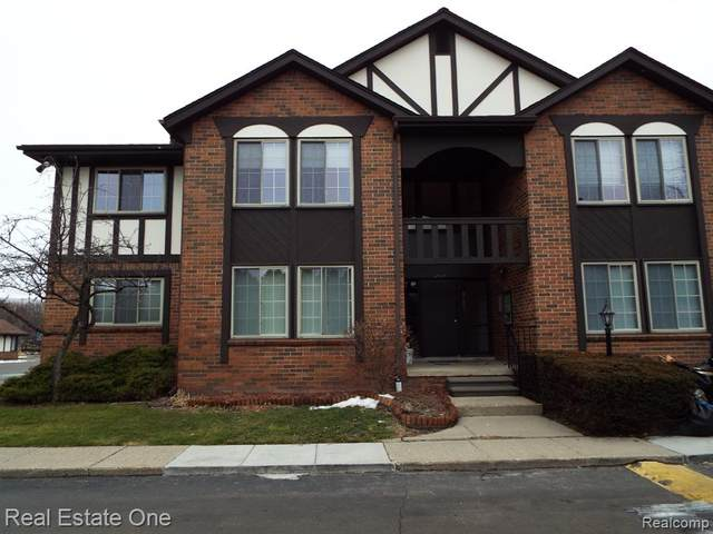 29065 E Wellington Rd Apt 16, Southfield, MI 48034 (#2200014342) :: The Buckley Jolley Real Estate Team
