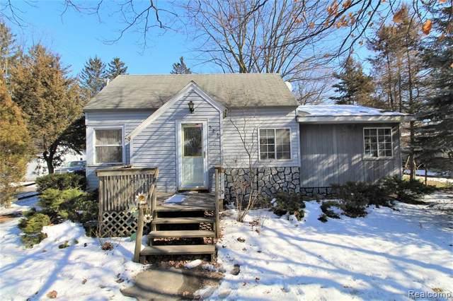 523 S Almer Street, Caro, MI 48723 (#2200014365) :: The Buckley Jolley Real Estate Team