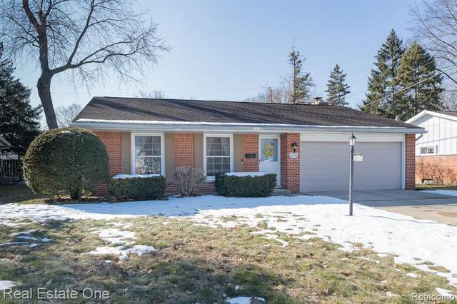 20345 Harbor Lane, Southfield, MI 48076 (#2200014503) :: The Buckley Jolley Real Estate Team