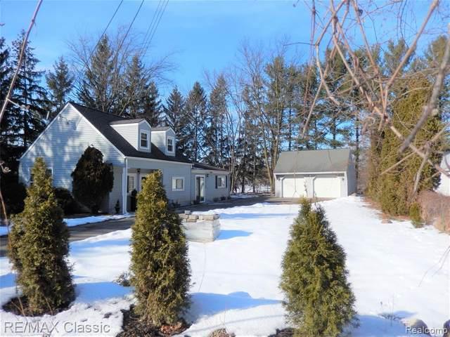 33800 Annland St, Farmington Hills, MI 48331 (#2200014505) :: The Buckley Jolley Real Estate Team