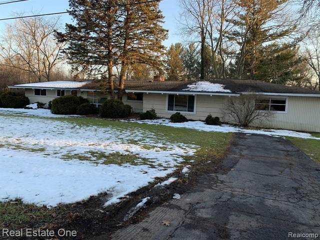 410 N Evansdale Drive, Bloomfield Twp, MI 48304 (#2200014786) :: The Alex Nugent Team | Real Estate One