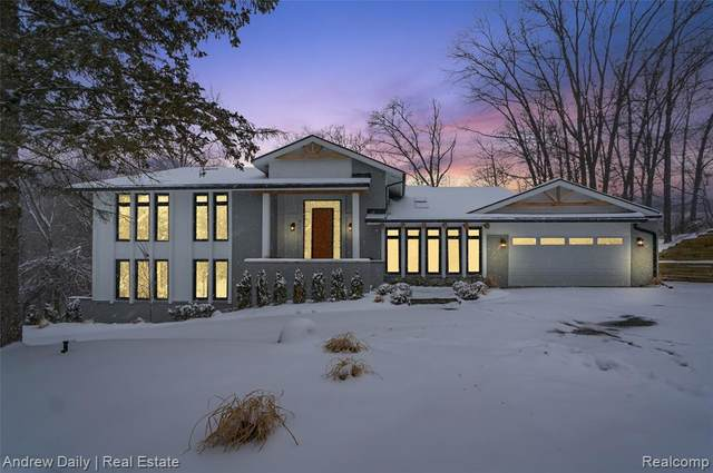 4592 Rolling Ridge Road, West Bloomfield Twp, MI 48323 (#2200014813) :: BestMichiganHouses.com