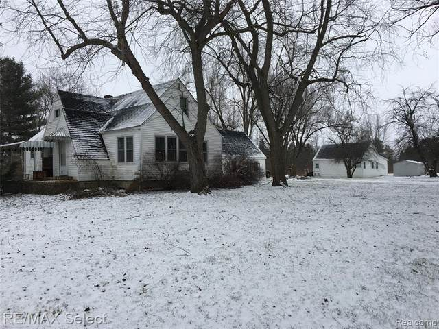 8085 Corunna Road, Clayton Twp, MI 48532 (#2200014882) :: The Buckley Jolley Real Estate Team
