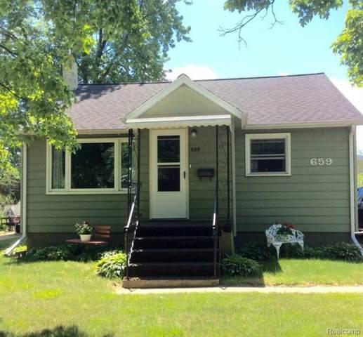 659 W Burnside Street, Caro, MI 48723 (#2200014905) :: The Buckley Jolley Real Estate Team