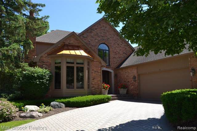 760 Windemere Court, Bloomfield Hills, MI 48304 (#2200015028) :: RE/MAX Nexus