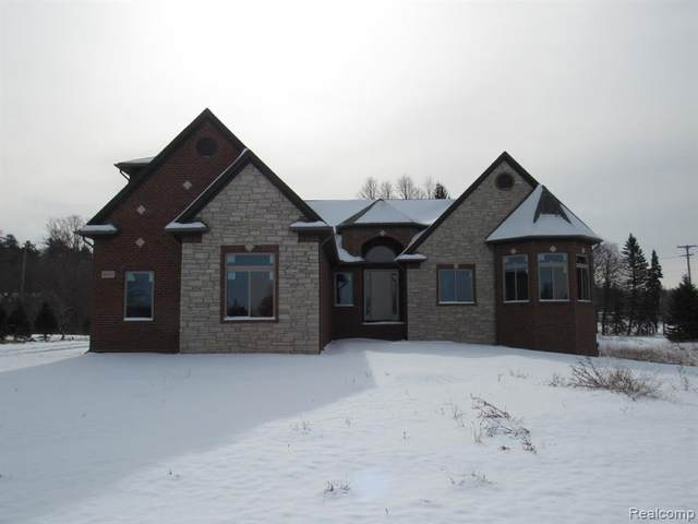 5648 Willow Valley, West Bloomfield Twp, MI 48322 (#2200015139) :: BestMichiganHouses.com