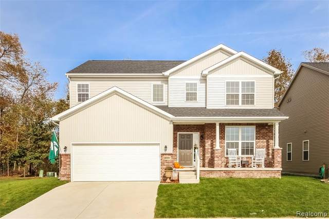 511 Crystal Wood Circle, Marion Twp, MI 48843 (#2200015166) :: The Mulvihill Group