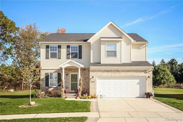 458 Crystal Wood Circle, Marion Twp, MI 48843 (#2200015176) :: The Mulvihill Group