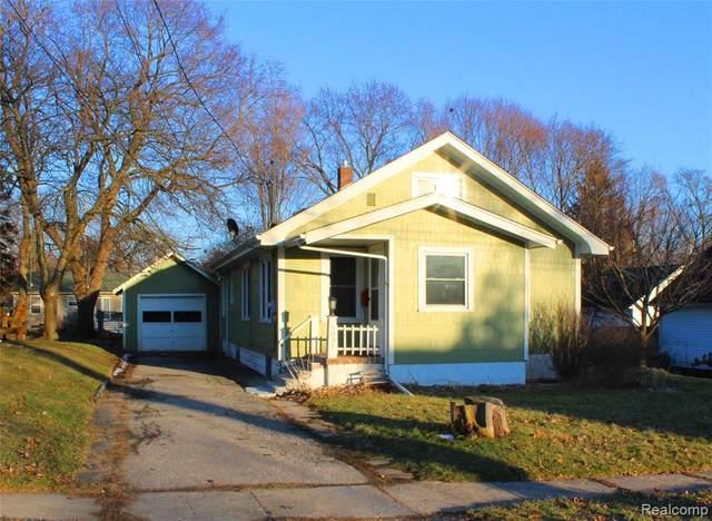 5031 1ST Street, Swartz Creek, MI 48473 (#2200015201) :: The Merrie Johnson Team