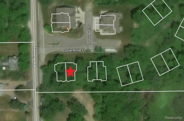 2513 Buono Parkway, Fenton Twp, MI 48430 (#2200015316) :: The Merrie Johnson Team