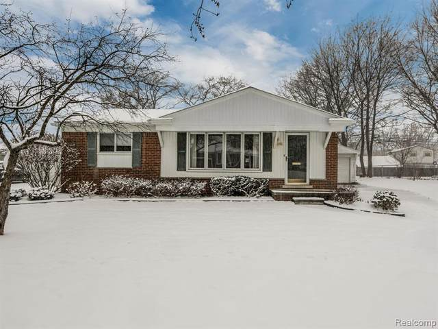 258 N Hill Circle, Rochester, MI 48307 (#2200015324) :: The Alex Nugent Team | Real Estate One
