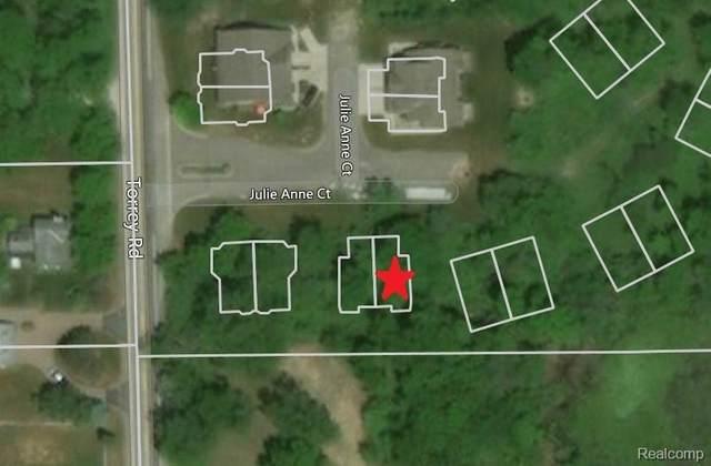 2493 Buono Parkway, Fenton Twp, MI 48430 (#2200015325) :: The Merrie Johnson Team