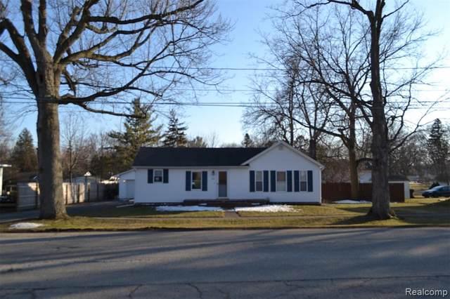 206 E Washington Avenue, Vernon Twp, MI 48476 (#2200015530) :: The Buckley Jolley Real Estate Team