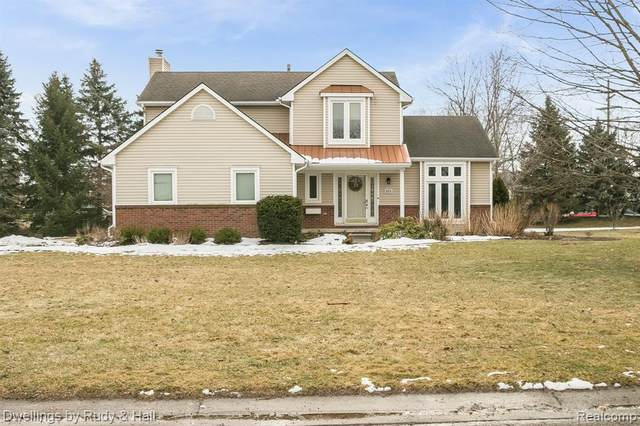 2215 White Pine Drive, Commerce Twp, MI 48393 (#2200015594) :: GK Real Estate Team