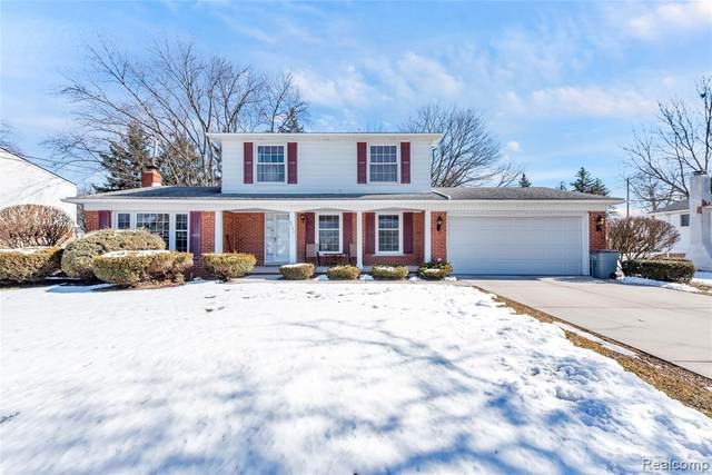 6721 Beverly Crest Drive, West Bloomfield Twp, MI 48322 (#2200015869) :: The Alex Nugent Team | Real Estate One