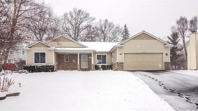 734 Sherbrooke Street, Commerce Twp, MI 48382 (#2200015954) :: GK Real Estate Team