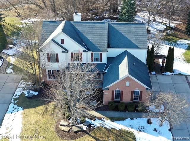 1722 Covington Woods Lane, Orion Twp, MI 48360 (#2200016034) :: The Alex Nugent Team | Real Estate One