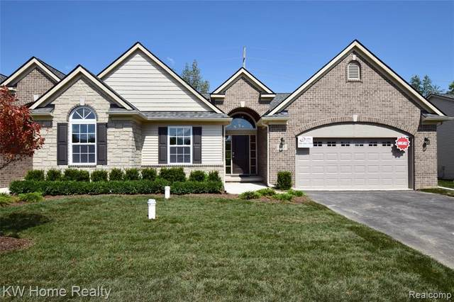 697 Andover Park Lane #2, Milford Twp, MI 48381 (#2200017010) :: Alan Brown Group