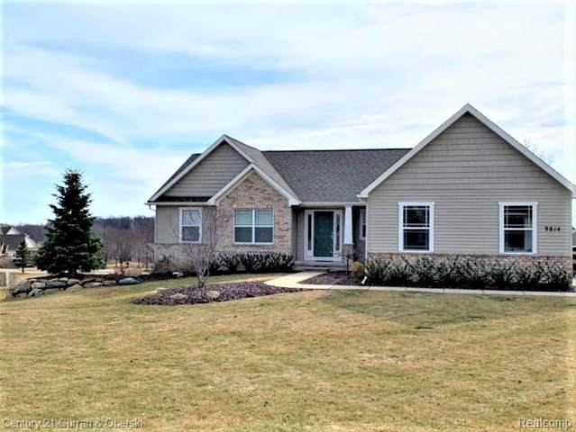 9814 Dublin Drive, Tyrone Twp, MI 48430 (#2200017662) :: Alan Brown Group
