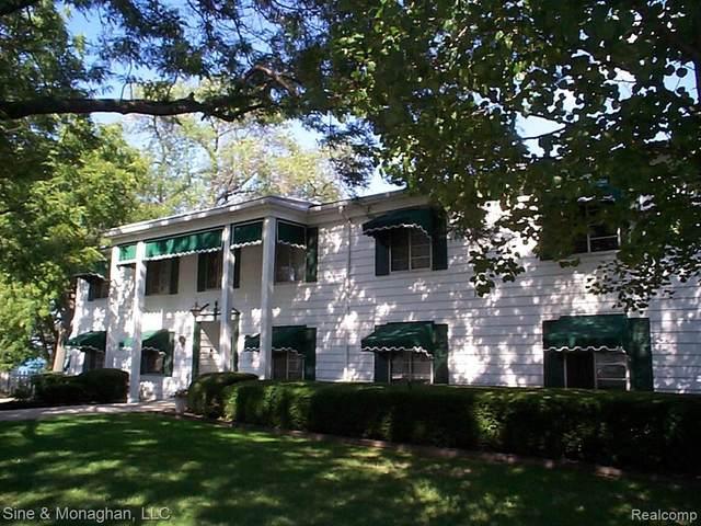 1501 River Road #204, ST. CLAIR TWP, MI 48079 (#2200018423) :: Duneske Real Estate Advisors