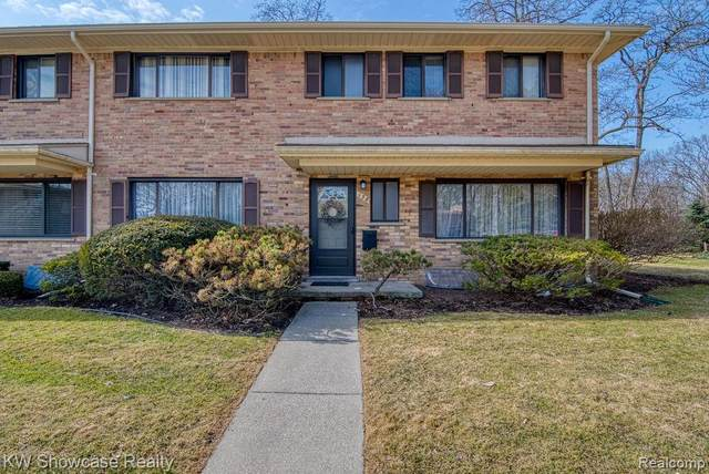 138 E Hickory Grove Road, Bloomfield Hills, MI 48304 (#2200018783) :: Keller Williams West Bloomfield