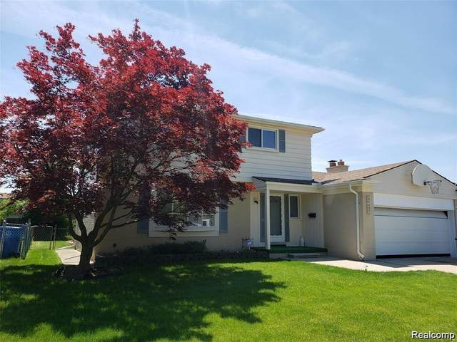 27107 Timber Trail, Dearborn Heights, MI 48127 (#2200018887) :: The Buckley Jolley Real Estate Team