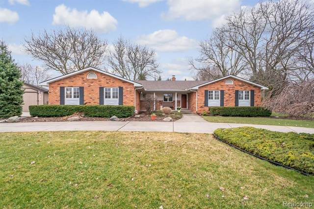 55482 Park Place, Lyon Twp, MI 48165 (#2200019218) :: The Buckley Jolley Real Estate Team