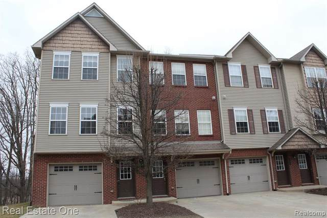 1615 Red Hickory Court #22, Howell Twp, MI 48855 (#2200020026) :: BestMichiganHouses.com