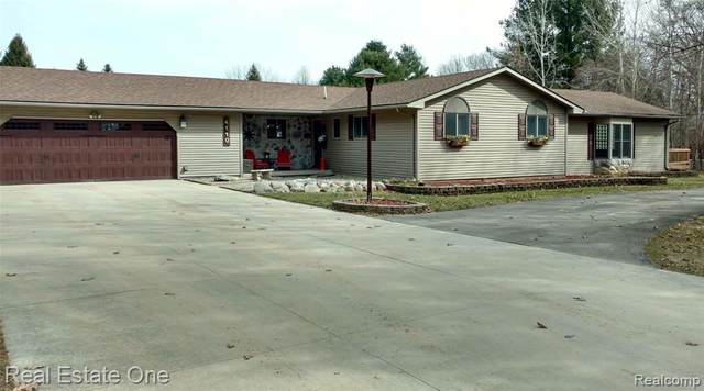 4110 Curtis Road, Addison Twp, MI 48367 (#2200020032) :: Team DeYonker
