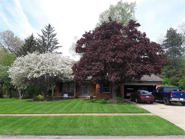 56725 Saint James Drive, Shelby Twp, MI 48316 (#2200020168) :: Springview Realty