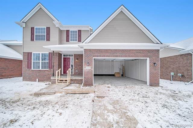 34891 Strathcona, Sterling Heights, MI 48312 (#2200020169) :: The Mulvihill Group