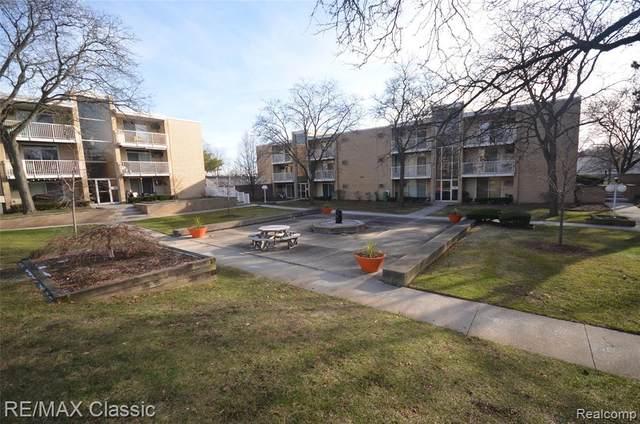 4905 Crooks Rd Apt B4 B4, Royal Oak, MI 48073 (#2200020307) :: BestMichiganHouses.com