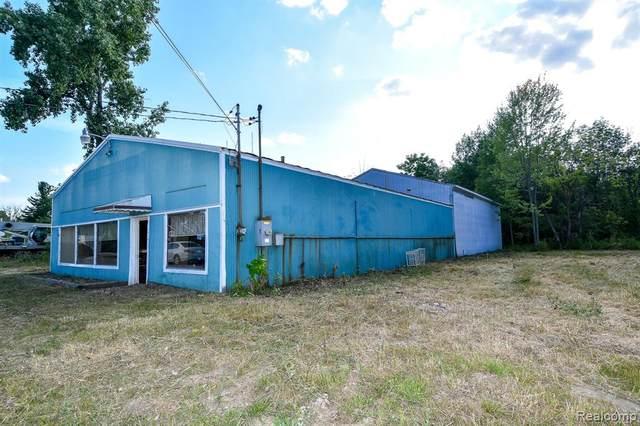 11428 Torrey Road, Fenton Twp, MI 48430 (#2200020378) :: The Merrie Johnson Team